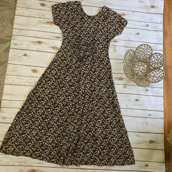 dacd25c8911 Vintage 90 s Girly Grunge Floral Maxi Phoebe Dress.  M 5b4a017404e33da264fc2b59